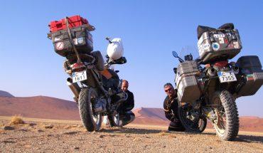Двама мотористи, гладни за пътешествие